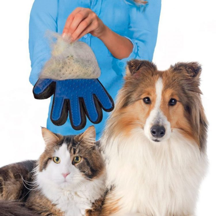 true touch deshedding glove is for cats and dogs